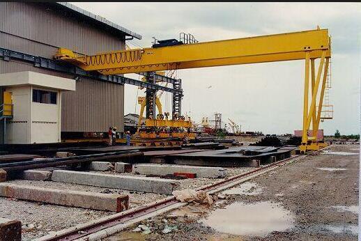 Semi Gantry Crane 5 Toneladas